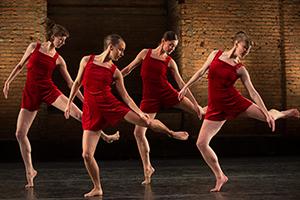 [Pam Tanowitz Dance & FLUX Quartet] Photo by Christopher Duggan