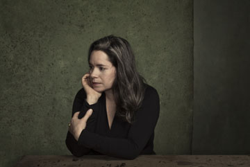 [Natalie Merchant and the Conservatory Orchestra] Photo: Dan Winters