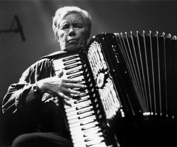 [Pauline Oliveros and the International Contemporary Ensemble] Photo by Pieter Kers.