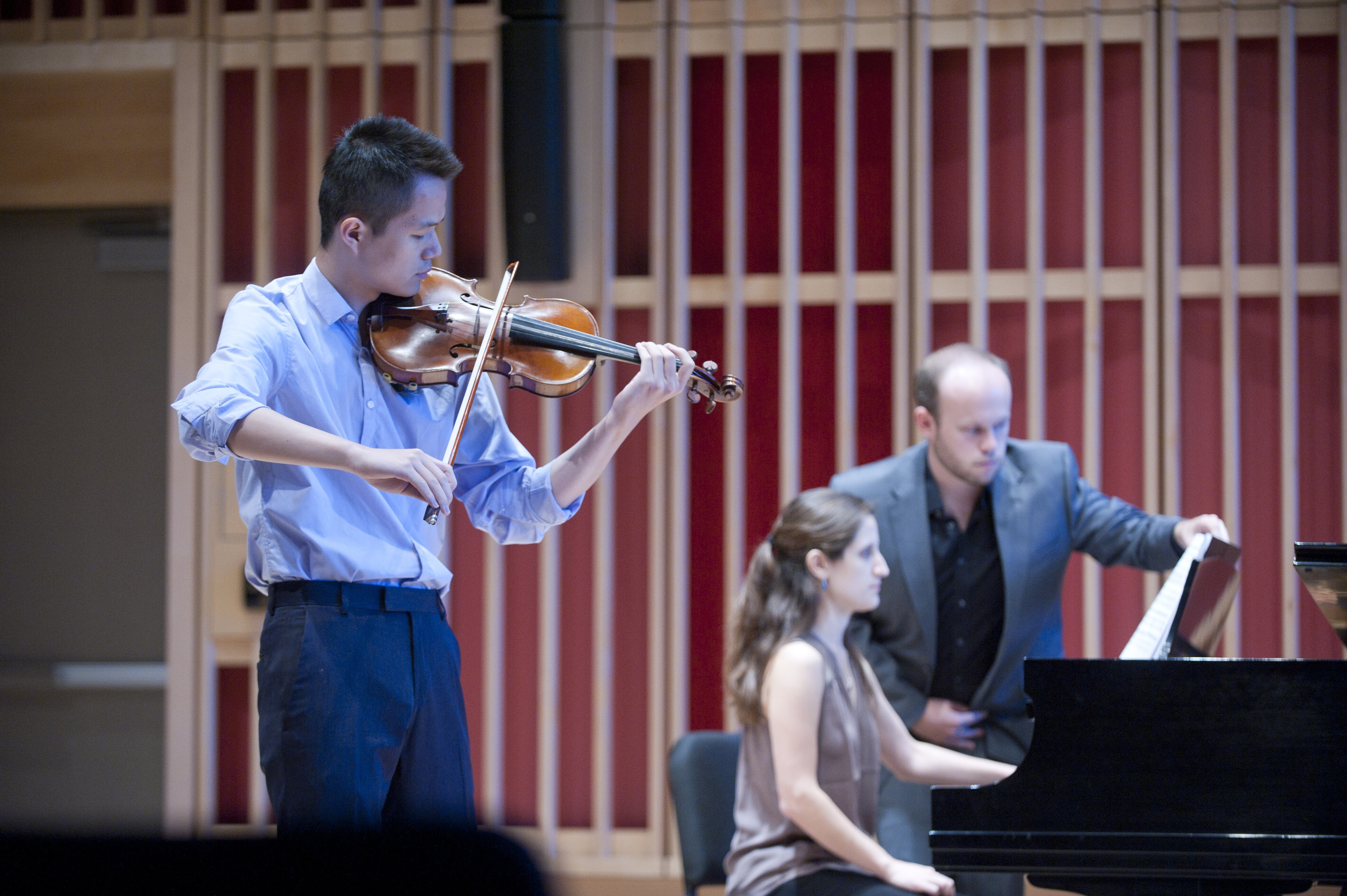 [Noon Concert: Works for Piano, Violin, and Voice by Chopin, J.S. Bach, Sibelius, and Charles Ives]