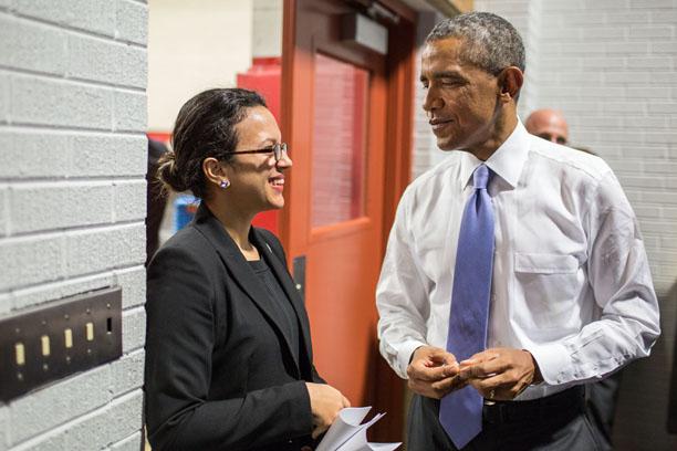 Bard alumna Betsaida Alcantara in conversation with President Obama.