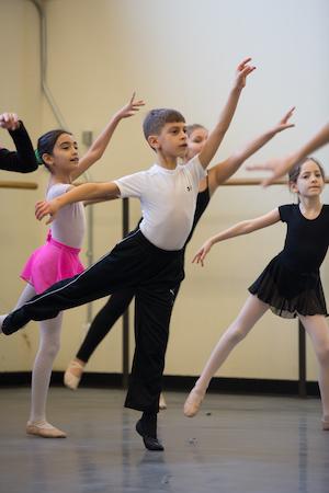 [New York City Ballet MOVES Workshop for Children]