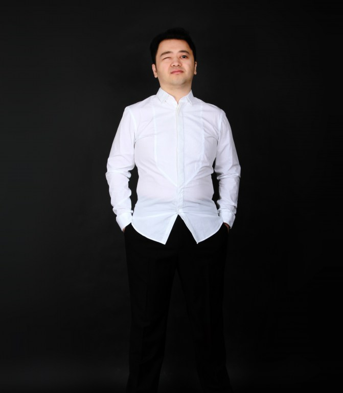 [Composer and Pianist Dai Bo from the Central Conservatory, Beijing]