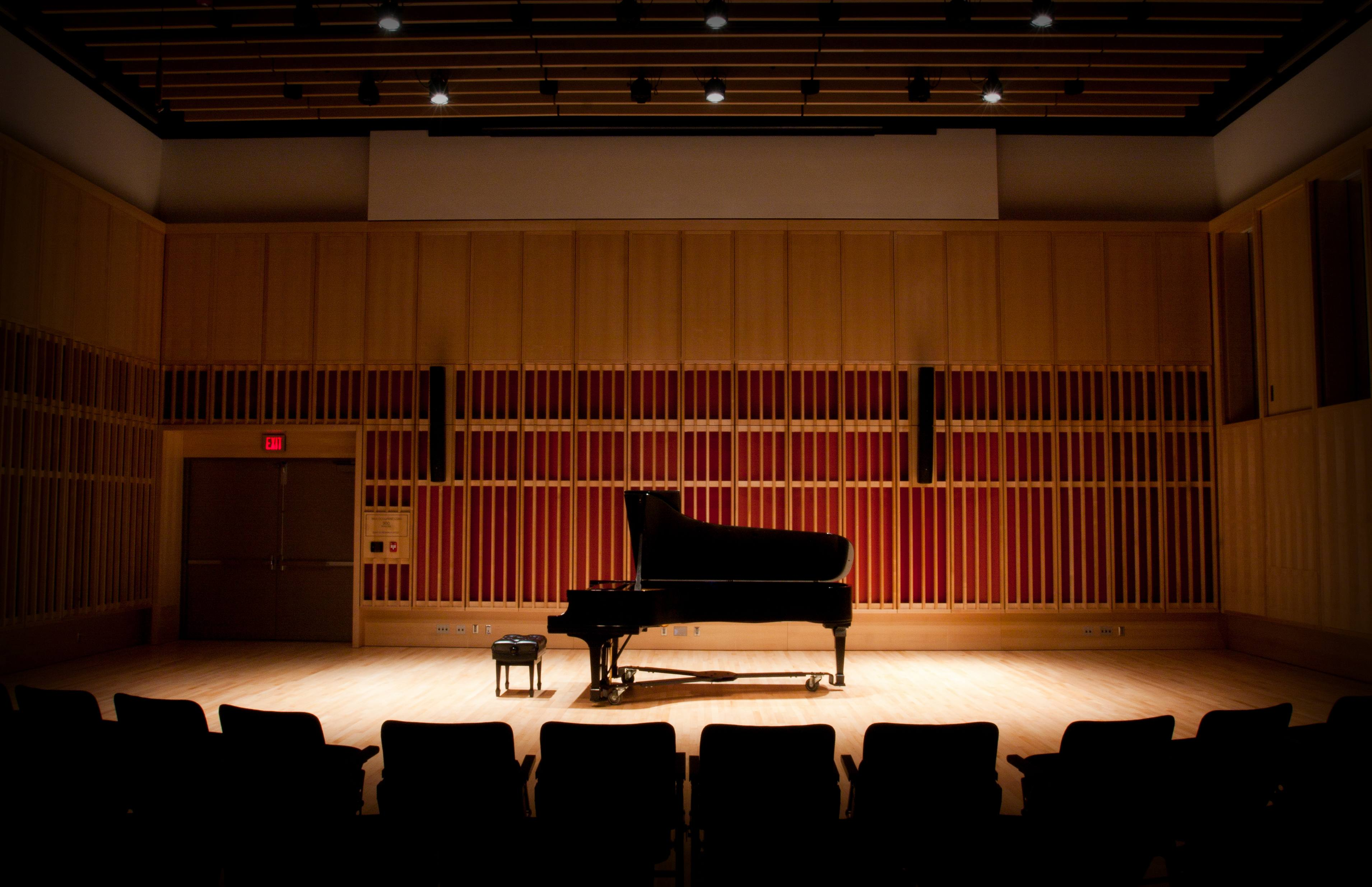 [Graduate Vocal Arts Program Chamber Music Concert]